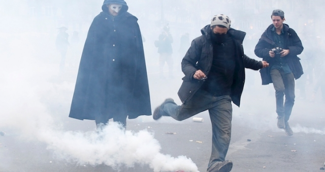 'İklim Zirvesi' protesto edildi