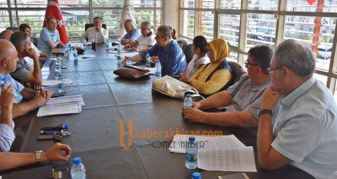 Akhisar Belediyesi, başıboş sokak hayvanları için toplandı