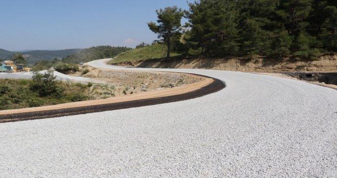 11 Kilometrelik Grup Yolunda Asfalt Uygulaması Başladı
