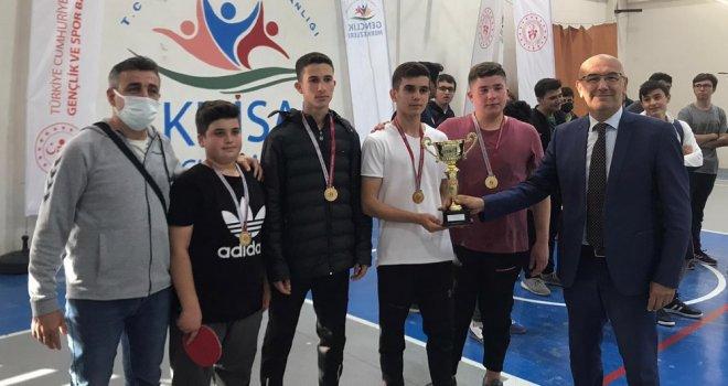 29 Ekim Cumhuriyet Kupası Masa Tenisi Müsabakaları Nefes Kesti