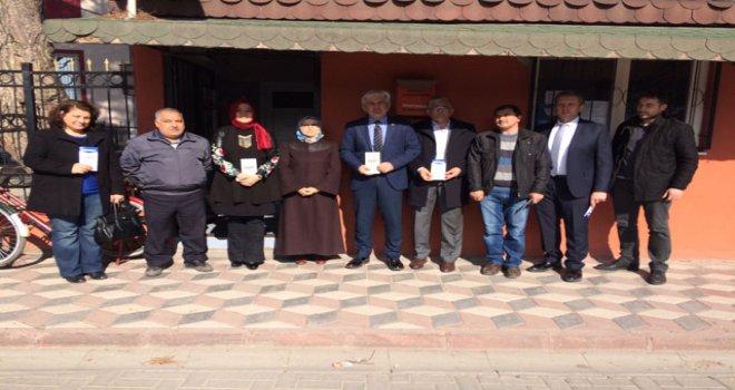 Ak Parti ilçe teşkilatı, referandum çalışmalarına muhtarları ziyaret ederek başladı