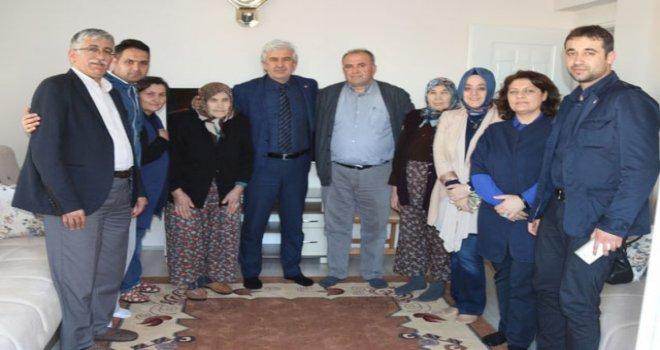 AK Parti İlçe Teşkilatından ulu çınarlara ziyaret