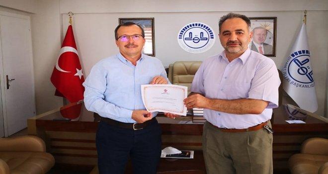AK Parti Milletvekili Aydemir, Kurbanını Diyanet Vakfı'na Emanet Etti