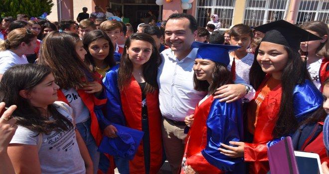Akhisar Belediye Başkanı'nın maaşı öğrencilere burs oldu