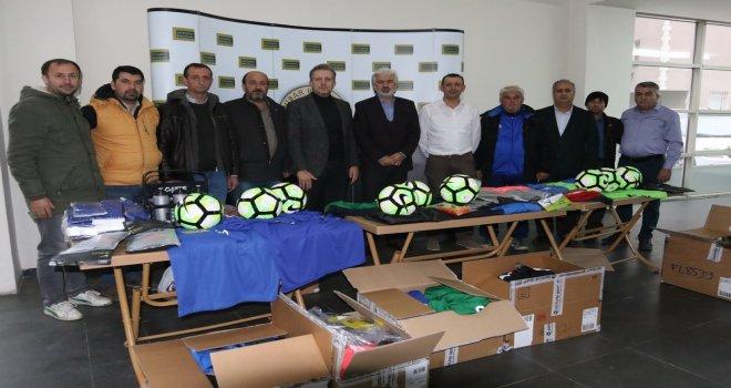 Akhisar Belediyesi amatör spor kulüplerine desteğini sürdürüyor