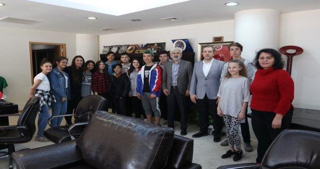 Akhisar Belediyesi Halk Oyunları ekibinden Salih Hızlı'ya teşekkür