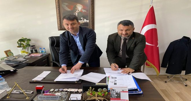 Akhisar Belediyesi ile Eksen Kurs Merkezi protokol imzaladı