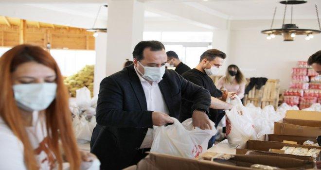 Akhisar Belediyesi'nden İhtiyaç Sahiplerine Ramazan Yardımı