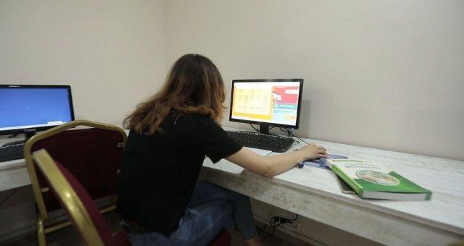 Akhisar Belediyesi'nden Öğrencilere Ücretsiz İnternet