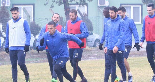 Akhisar Belediyespor kupada Bursaspor'a konuk oluyor
