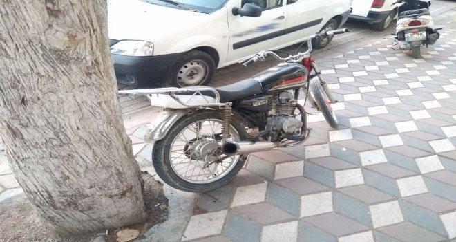Akhisar İlçe Emniyet Müdürlüğünden uygunsuz motosikletlere geçiş yok