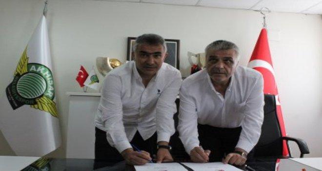 Akhisar Spor'un Yeni Teknik Direktörü Mehmet Altıparmak