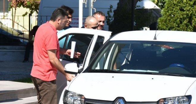 Akhisar'da 14 suçtan aranıyordu ve yakalandı