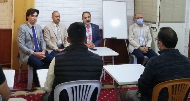 Akhisar'da Bir İlk Olan Tashih-İ Huruf Kursunun İlk Dersi Başladı