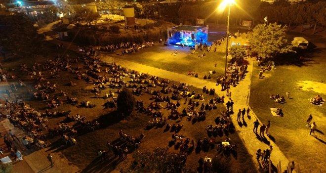 Akhisar'da Gördesliler'den renkli bir gece