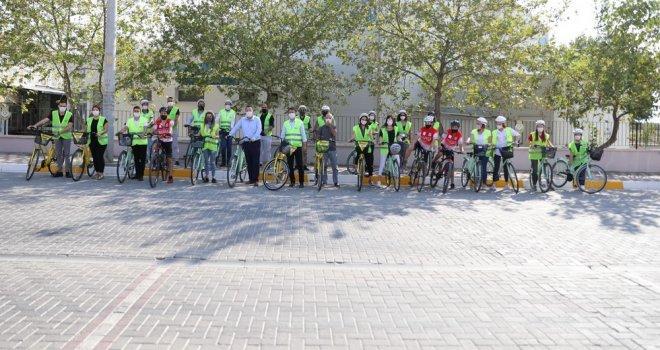 Akhisar'ın İlk Bisiklet Yolu Açıldı