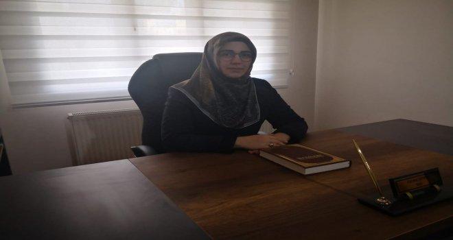 Akhisar'ın İlk Kadın Vaizi Göreve Başladı