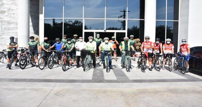 Akhisarlı Bisikletliler Hareketli Yaşam İçin Pedal Çevirdi