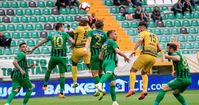 Akhisarspor; 0 - Evkur Yeni Malatyaspor; 2