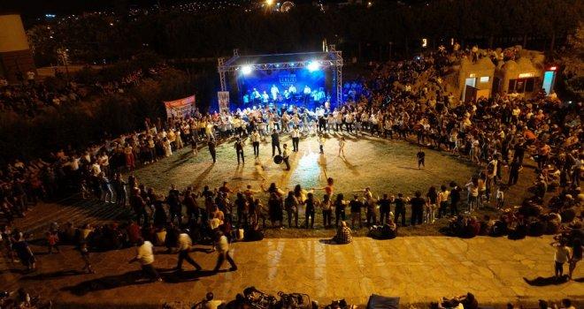 Balkan Göçmenleri gecesinde Gölet doldu taştı