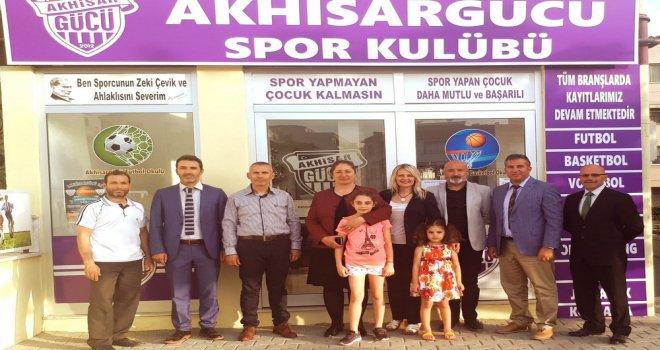 Başkan Hacer Akyüz Manisa ve Akhisar'da Ziyaretlerde Bulundu