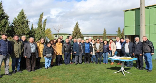CHP ilçe teşkilatından T.M. Akhisarspor'a moral ziyareti
