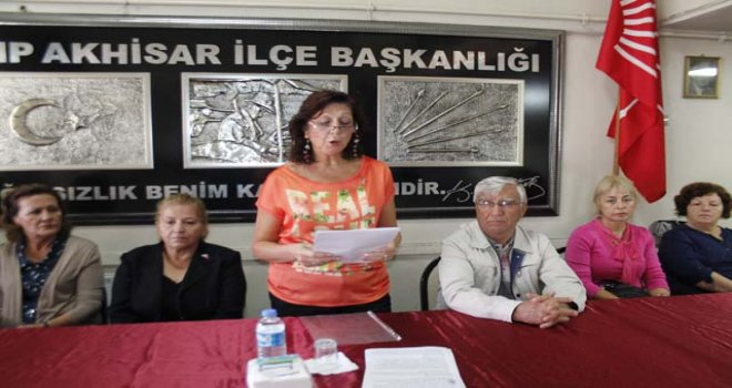 CHP'li kadınlar Bahriye Üçok'u andı