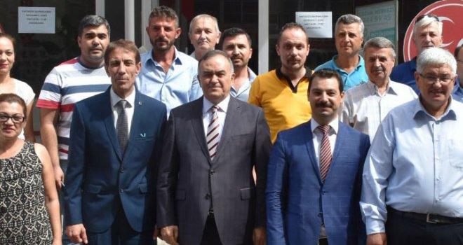 Erkan Akçay Akhisar'da partililerle buluştu