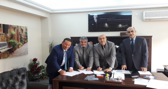 Fen Lisesi ve Akhisar İlçe Gençlik Spor Müdürlüğü Protokol İmzaladı
