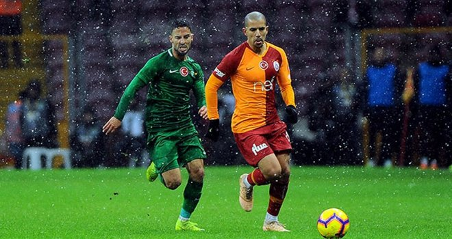 Galatasaray; 1 - Akhisarspor; 0