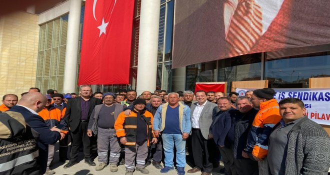 İşçi Dostu Başkan Dutlulu'ya, İşçiler Teşekkür İçin Pilav Hayrı Yaptı