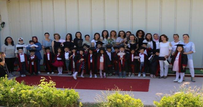 Misak-ı Milli Anaokulu öğrencilerinin renkli mezuniyet görüntüleri