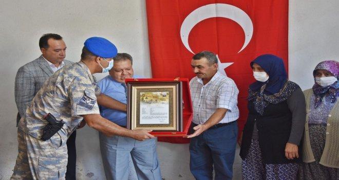 Şehit Teğmen Osman Alp'in Ailesine Şehadet Belgesi Takdim Edildi