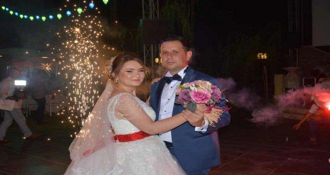 Şeyma ve Mustafa VIP Salonda Dünya Evine Girdi