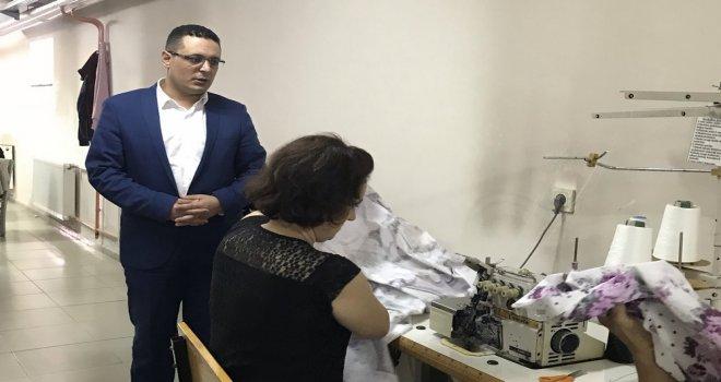 Süleyman Erdem El Sanatları Kursunu Ziyaret Etti