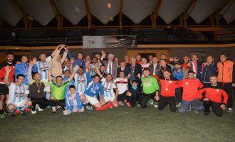 558. Çağlak Masterler futbol turnuvasında Salihli Sardes şampiyon oldu