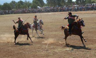 559. Çağlak Festivali cirit ve değnek atışları renkli görüntülere sahne oldu