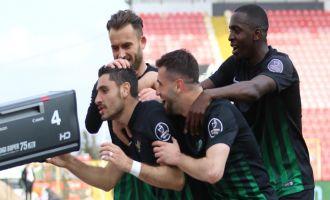 Akhisar, 3 puanı 3 golle aldı