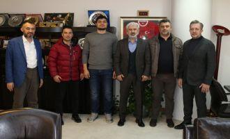 Akhisar Belediye Başkanı Salih Hızlı'dan şampiyon boksöre ödül