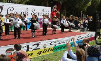 Akhisar Belediyesi 12. Çocuk Şenliği coşkuyla kutlandı