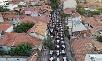 Akhisar Belediyesi mahalle iftarı bu kez Şeyh İsa'da kuruldu