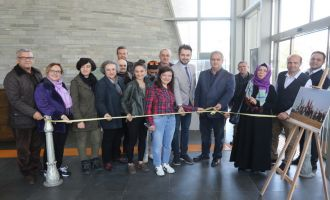 Akhisar Belediyesi Sanat Galerisi Fotoğraf kursiyerlerinin sergisi açıldı