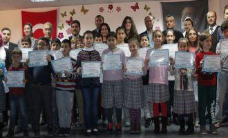 Akhisar Bilim Sanat Merkezi Öğrencileri belgelerini aldı