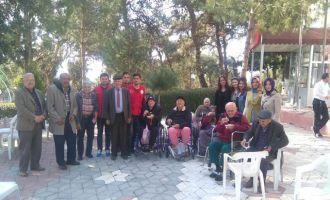 Akhisar gençlik merkezinden huzurevi ziyareti