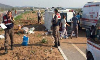 Akhisar-Gölmarmara yolunda kaza 17 yaralı