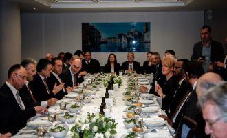Akhisar İzmir'e Çıkarma Yaptı