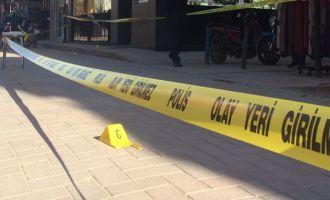 Akhisar merkez çarşıda kurşun sesleri 2 yaralı