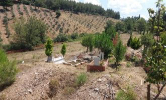 Akhisar Mezarlıklarında Bayram Temizliği
