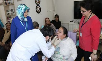 Akhisar Toplum ve Ruh Sağlığı Merkezine Diş Taraması yapıldı