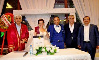 Akhisar'da Bin 178 çift dünya evine girdi